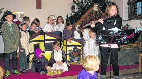 Kinder stimmten mit Krippenspiel auf die Festtage ein