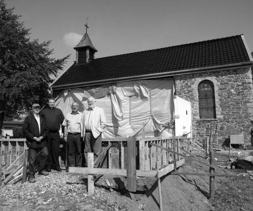 Kleine Kapelle vorübergehend Großbaustelle
