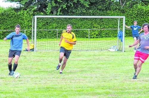 Beim traditionsreichen FC Viktoria rollt wieder der Ball